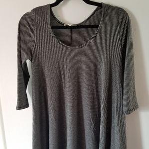 3/4 length sleeve long, flowy shirt